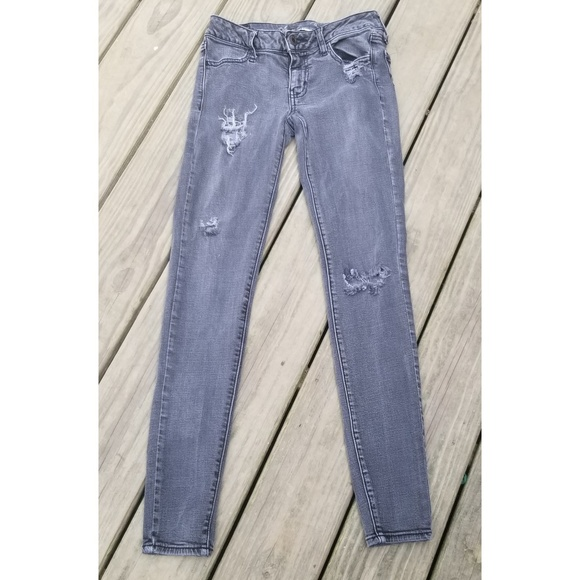 American Eagle Outfitters Denim - Aeo Low-rise Super Strech Distressed Jeggings